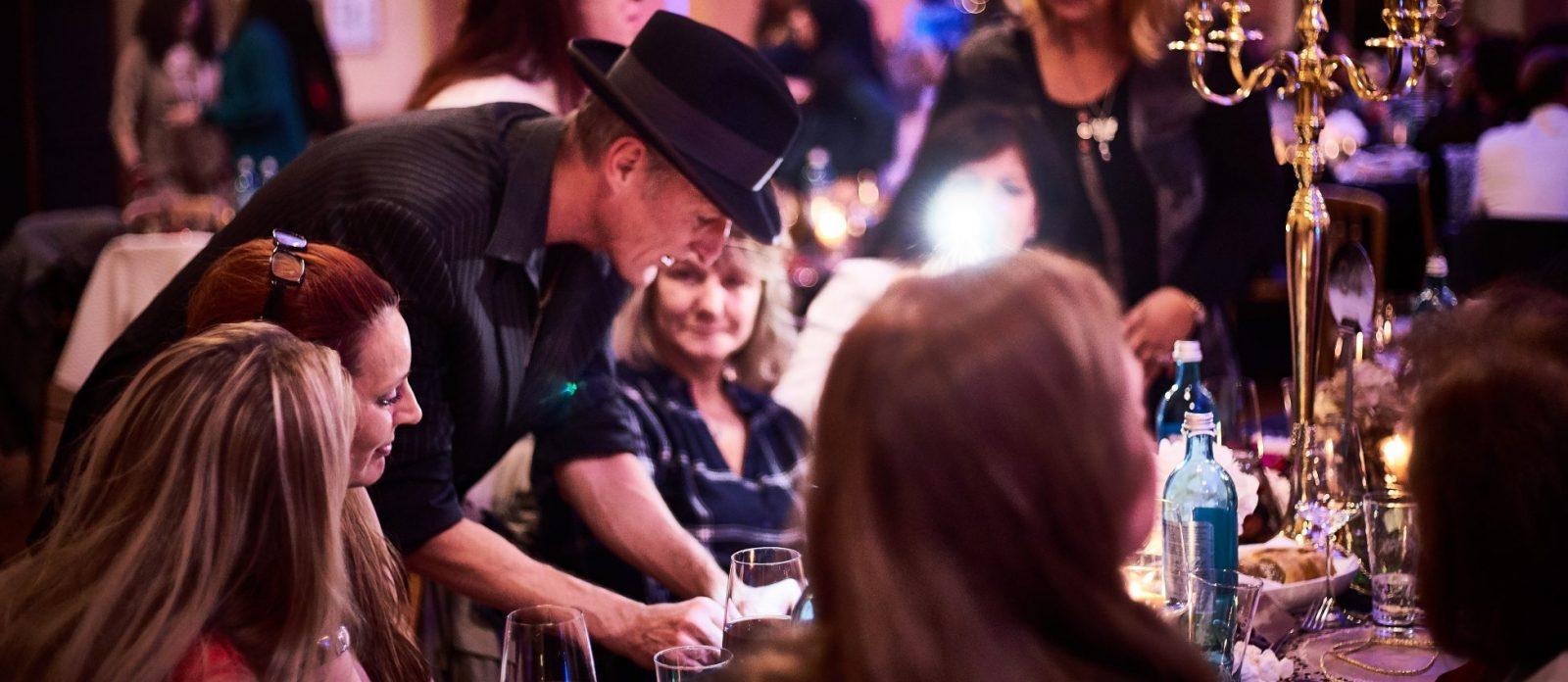 Zauberer Walkact für eine Greag Gatsby Party
